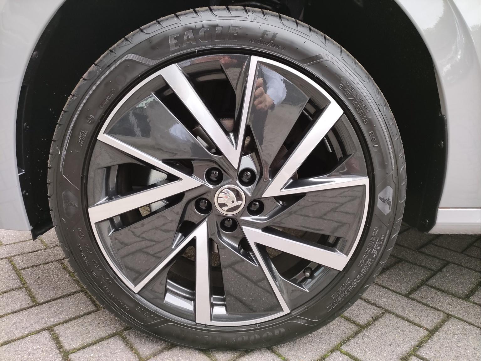 Škoda-Kamiq-10